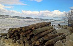 Więcej o: Na plaży obok ośrodka Zorza w Dziwnówku rozpoczął się remont.